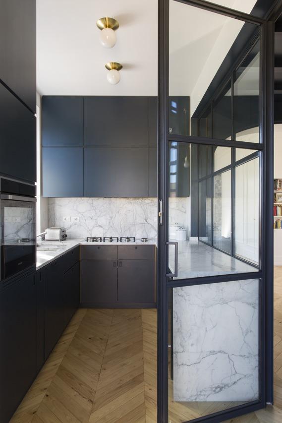 Bludiprussia e Studio Strato per Kigali House interior design cucina